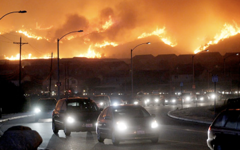 People escaping from the wildfires in California